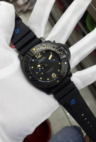 Panerai luminor submersible carbotech rubber black matic 4.8cm 2360000 325x480