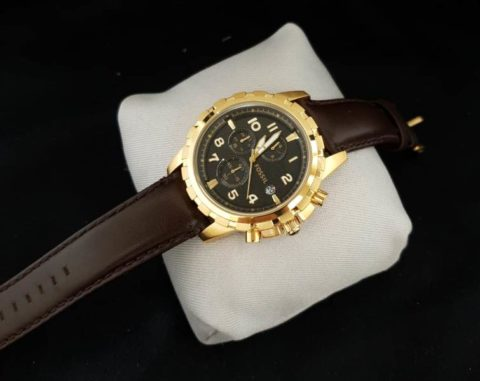 Fossil chrono leather gold black 480x381